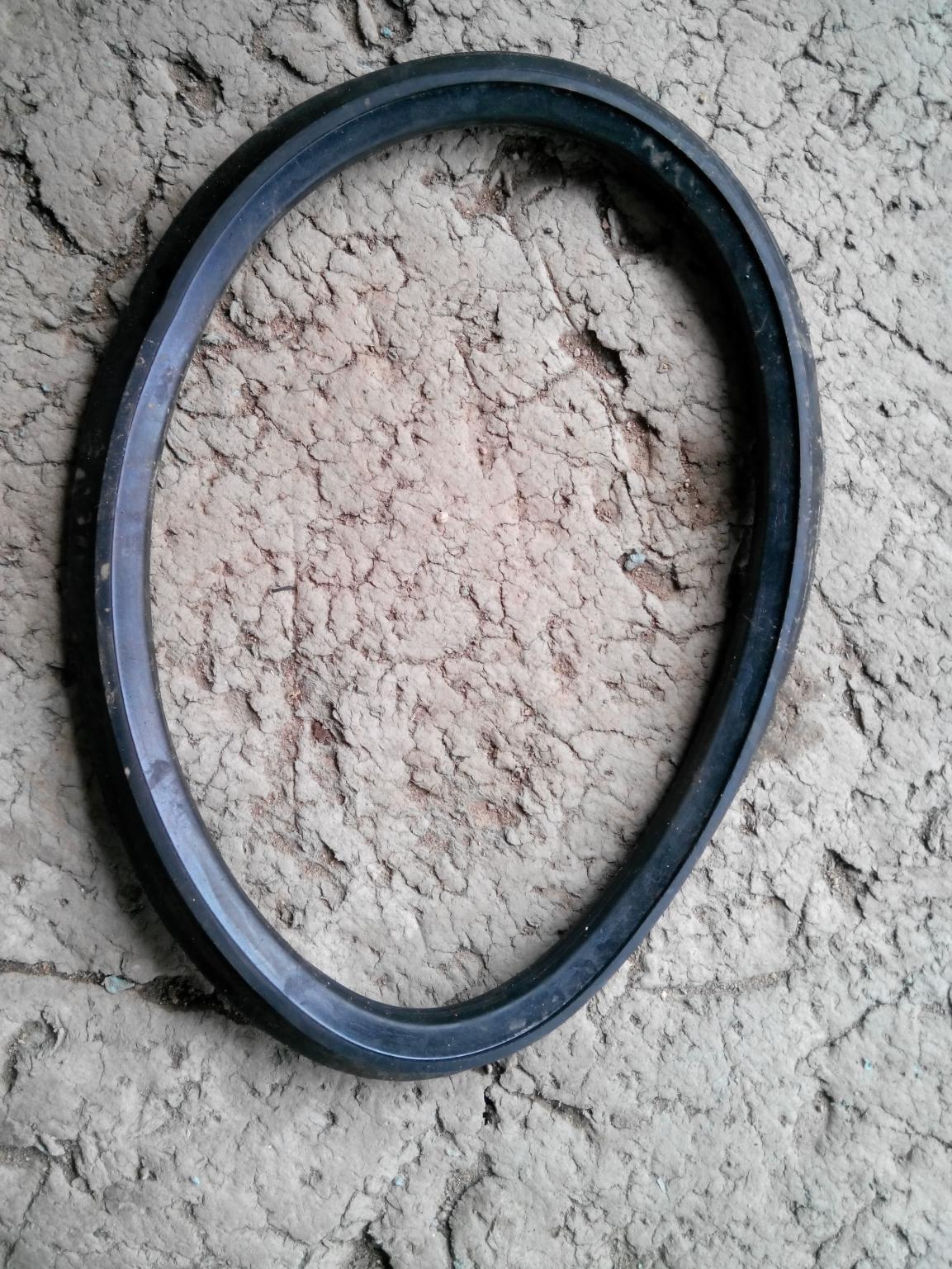 管子与管子相连用皮圈,叫管子用皮圈,常用的有HDPE双壁波纹管、UPVC加筋管、FRPP加筋管、UPVC波纹管,HDPE塑钢缠绕管等,生产厂家一般都配有相应的皮圈,按要求安装即可。 4、其他皮圈:如异径接头用皮圈、马鞍用皮圈、汇合接头用皮圈等等。 总之,无锡正林建材塑料检查井之配件皮圈、品种齐全,经验丰富、是理想的产品供应商。